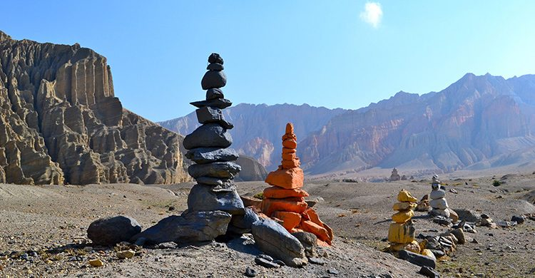 dminepal-mustang-nepal-destinationmanagementinc-trip-holidays-nepal-photos-stones